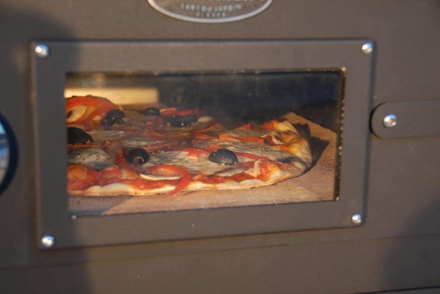 Vulcano 2 Pizza